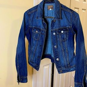LIKE NEW American Eagle classic blue denim jacket